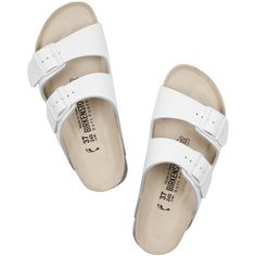 Birkenstock Arizona textured-leather slides (6,745 MKD) ❤ liked on Polyvore featuring shoes, sandals, flats, footwear, white flats, white summer shoes, flats sandals, white sandals and summer flats shoes
