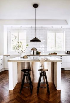 Savor Home: A CRISP KITCHEN + LINKS...