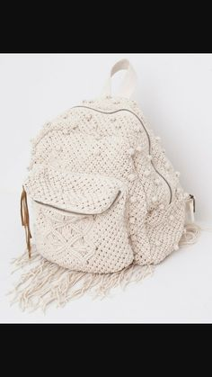 Discover the most modern bags for AW 2017 at PULL&BEAR. Find our handbags, black tote bags, pink or khaki backpacks and metallic wallets for women.Discover thousands of images about Design & crochet lace by Victoria BelvetThis Pin was discovered by M Pinterest Crochet, Crochet Backpack, Backpack Pattern, Backpack Tutorial, Crochet Handbags, Crochet Purses, Love Crochet, Crochet Lace, Mochila Crochet