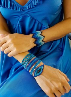 Blue zig zag wide macrame cuff,Adjustable,Luxurious jewelry,Macrame jewelry,Macrame jewelry,Wide macrame,Knotted wide bracelet