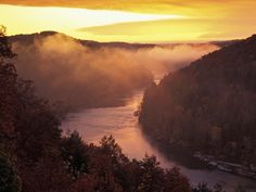 Sunrise Over the Cumberland River, Corbin, Kentucky - where my grandparents live Corbin Kentucky, Kentucky Horse Park, Great Places, Beautiful Places, Places To Travel, Places To Visit, Cumberland Falls, Red River Gorge, Ohio River
