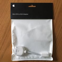 APPLE MINI-DVI TO VGA ADAPTER  M9320G/A MAC AUTHENTIC ORIGINAL OEM GENUINE  #APPLE