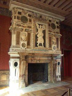 Chateau d'Ecouen - cheminees | 16- Galerie de Psyché : la grande salle du château. De son décor ...