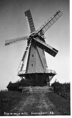 Photo-ca-1913-Sandhurst-UK-5-Winged-Windmill