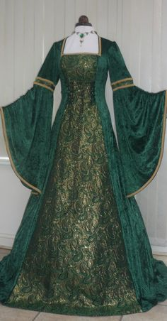 Renaissance Medieval green velvet and metallic gold brocade dress - style of dress I'd like, but in cotton/broadcloth/something simpler.