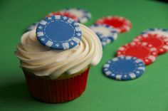for the poker and cupcake enthusiats #money #poker