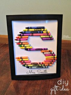 Make framed crayon letter art as a gift this year! Total cost for this project was only $1.25! #christmas #diy