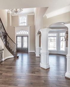 Staircase wall decor house, - Stairwell wall decor Informations About Treppenhaus-Wand-Dekor - Style At Home, Staircase Wall Decor, Entryway Stairs, Stairwell Wall, Hallway Art, House Staircase, Living Room Remodel, Basement Remodeling, Basement Plans