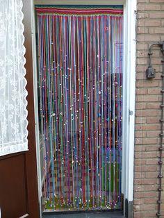 Beaded Curtains Doorway, Macrame Curtain, Door Curtains, Paper Flower Garlands, Crochet Mandala Pattern, Crochet Curtains, Crochet Wool, Interior Design Tips, Bottle Crafts