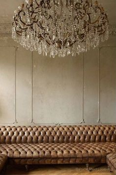 tufted leather sofa with crystal chandelier Home Design, Interior Inspiration, Design Inspiration, South Shore Decorating, Ivy House, Interior Decorating, Interior Design, Classic Interior, French Interior