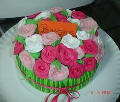 Bolo ramo rosas