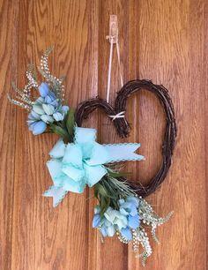 Handiworking: Heart Wreaths for Spring