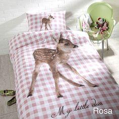 Een+schattig+hertje+siert+dit+eenpersoons+dekbedovertrek,perfect+voor+een+meisjeskamer.+Want+hij+is+natuurlijk+in+favoriete+kleur+roze+met+wit+geruit.+En+die+Bambi+maakt+dit+dekbedovertrek+natuurlijk+helemaal+af!+Price+€39,95