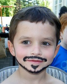 Easy face painting ideas along with some points to remember while painting on a face. Face Paint with Mickey mouse - Page 8 Face Painting For Boys, Face Painting Designs, Easy Face Painting, Diy Maquillage, Maquillage Halloween, Bodysuit Tattoos, Diy Face Paint, Pirate Face, Cheek Art