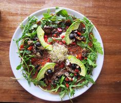 #fully #raw #pizza #vegan #raw #food #tasty #eatclean Raw Food, Vegan Food, Vegan Recipes, Quinoa, Clean Eating, Vegan Raw, Vegan Lifestyle, Japchae, Cobb Salad