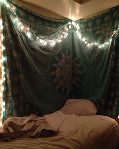 I *am* going to do this in my room. as soon as I find a friggin tapestry that's not crazy expensive.