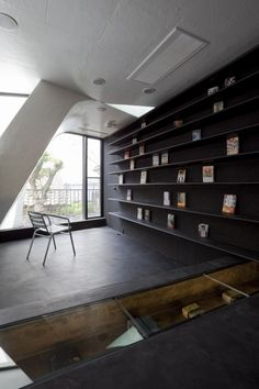 Celluloid Jam / N MAEDA ATELIER #home_library #bookshelves #interiors #interior_accents #small_areas