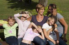 Per noi aiutarle è anche un bel pomeriggio al parco con l'amica Grazia...belle tranquille, per te? www.wishgate.org
