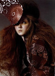 """lee-enfant-terrible: """"Lily Cole by Steven Meisel for Vogue Italia, July 2003 in Alexander McQueen Fall Winter 2003 jacket and headpiece (submitted by hautekills) """" Lily Cole, Steven Meisel, Alexander Mcqueen, Look Fashion, World Of Fashion, Fashion Hair, High Fashion, Victoria, British Style"""