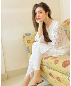 Stylish Dresses For Girls, Stylish Girl, Girls Dresses, Pakistani Dress Design, Pakistani Dresses, Indian Attire, Traditional Dresses, Girl Photos, Chic Outfits