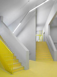 1051 North Laser Center by blauraum architekten BDA