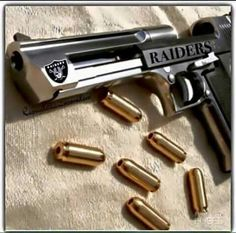 Raiders Gun,, break on in bitches. Oakland Raiders Man Cave Ideas, Oakland Raiders Images, Oakland Raiders Football, Pittsburgh Steelers, Nfl Football, Dallas Cowboys, Football Helmets, Okland Raiders, Raiders Shirt