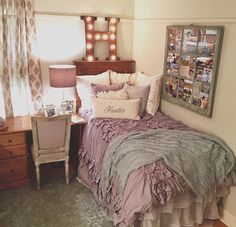 Pin by victoria valente on dorm интерьер Dorm Life, College Life, College Dorm Rooms, Layout, Dream Rooms, My New Room, House Rooms, Decoration, Bedroom Decor