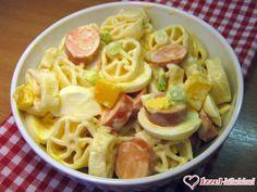 Tojásos tésztasaláta Spaghetti, Ethnic Recipes, Food, Meal, Essen, Hoods, Meals, Eten