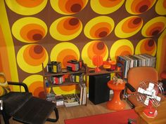 A S Creation retro deluxe Circles Wallpaper. Painted Feature Wall, Good Old Times, Orange Brown, My Childhood Memories, Googie, Of Wallpaper, Worlds Of Fun, Retro, Psychedelic