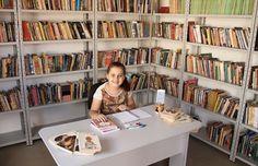 Kaciane Caroline abriu uma campanha de financiamento colaborativo na plataforma Kickante para transformar o espaço em uma biblioteca funcional.