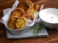 9 nagyon cukkinis recept, amit neked is ki kell próbálnod Fritters, Fresh Rolls, Vegetable Recipes, Potato Salad, Cauliflower, Food And Drink, Curry, Pasta, Healthy Recipes