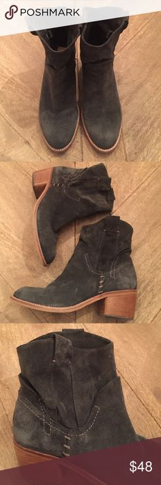 Dolce Vita suede short bootie Dolce Vita suede short bootie; super comfortable!; slight slouch near the ankle area; navy/midnight color; newer condition than other pairs that are currently for sale in my shop; size 7.5 Dolce Vita Shoes Ankle Boots & Booties