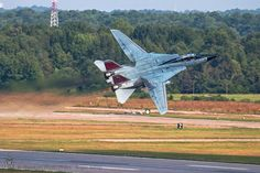 VF-31 Tomcat taking off from NAS Oceana to take part in the airshow in 2006.