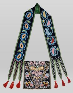 Indigenous Beauty: Masterworks of American Indian Art from the Diker Collection Native American Seed, Native American Clothing, Native American Crafts, Native American Beadwork, American Indian Art, Native American History, Native American Indians, Seminole Indians, Native Beadwork