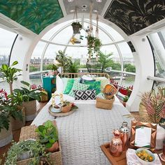Reposting @luxury_launches: You can now spend a night overlooking London in a transformed London eye capsule. A pod in the famous ferris wheel has been converted into a tiny rain-forest themed bedroom with a killer view. The chic bedroom is covered top to bottom with greenery including live plants, a tropical green printed ceiling, and a hanging birdcage.  #LondonEyeCapsule #pod #LondonEye #Capsule #london #luxurylifestyle #travels #travelblog #travelblogger #luxury #luxuryhotel