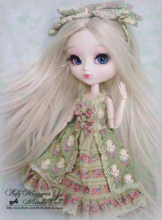 Chrystal ~ Pullip Alice du Jardin by ♥ Kety Marques -Mundo Doll ♥, via Flickr Anime Dolls, Blythe Dolls, Pullip Custom, Kawaii Doll, Poppy Parker, Valley Of The Dolls, Smart Doll, Creepy Dolls, Little Doll