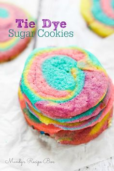 How freakin' adorable are these tie dye sugar cookies?? Your kids will have so much fun making them, and they taste delicious to boot!