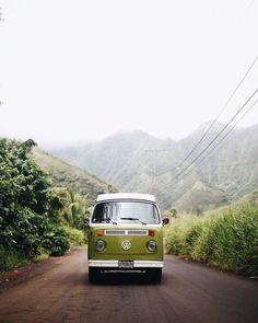 Vintage VW Bus | Green VW Camper Van | Hanahou Campers | Rent a Vintage VW Bus on Oahu | Travel Guide to Oahu via @elanaloo + elanaloo.com #VintageVacation