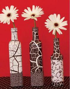 Vasos confeccionados são bem sedutores e você pode até reaproveitar garrafas de vidro para aplicar e