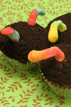 Earth Day Worms in Dirt Cupcakes
