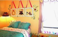 Pictures collection of girl room wall decorations Teen Bedroom Accessories & Teen Room Decor Cheap Bedroom Ideas, Cheap Rooms, Teen Girl Rooms, Girls Bedroom, Teen Bedrooms, Kids Rooms, Bedroom Decorating Tips, Decorating Ideas, Decor Ideas