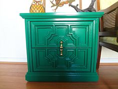 Mid Century Emerald Green End Table