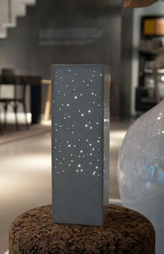 Concrete Constellation Square massief betonnen door LightinConcrete