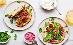 Shawarma-Spiced Tofu Pita Wraps vegetarian can be vegan sandwiches Mediterranean Middle Eastern light summer Tofu Recipes, Wrap Recipes, Vegetarian Recipes, Vegetarian Gumbo, Salad Recipes, Chicken Recipes, Pita Wrap, Bbq, Vegetarian