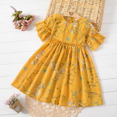 Buy Floral Print Trumpet Sleeve Round Neck Dress online with cheap prices and discover fashion Daily Dress at . Girls Frock Design, Kids Frocks Design, Baby Frocks Designs, Baby Dress Design, Baby Girl Frocks, Frocks For Girls, Little Girl Dresses, Girls Dresses, Cute Baby Dresses