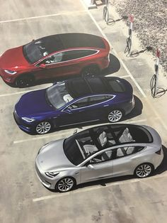 """Vincent everts on Twitter: """"3 model 3's to admire here at the #gigafactory https://t.co/HdYSjhHOpa"""""""