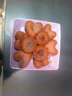 Gâteaux mi cuit au chocolat en forme de cœur et de rond