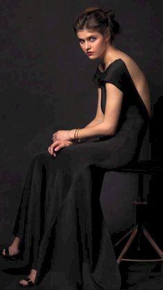 Alexandra Daddario, Celebrity Gossip, Celebrity Style, Steve Mcqueen Style, Gal Gadot, Female Models, Wwe Female, Belle Photo, Hollywood Actresses