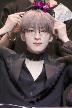 alone with the stars in the sky Woozi, Jeonghan, Diecisiete Wonwoo, The8, Seungkwan, Vernon, Seventeen Memes, Seventeen Wonwoo, Hip Hop