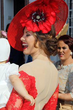 El total look rojo de Jessica Bueno #vestido #bodas #invitada